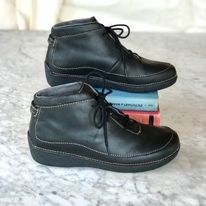 Duluth Trading Co | Andina Leather Ankle Boots